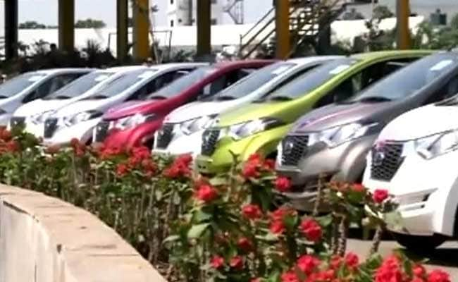 Auto Sales Face Tough Month As Cash Crunch Grips Country