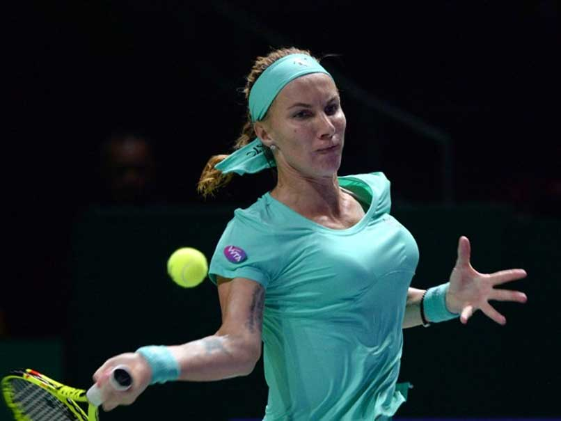 Svetlana Kuznetsova Cuts Her Own Hair in Win Over Agnieszka Radwanska
