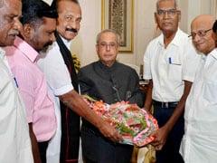 Tamil Nadu Leaders Meet President Pranab Mukherjee Over Cauvery Issue