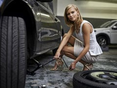She Changed His Flat Tire; He Never Called Her Again. Is This A Case Of A Fragile Male Ego?