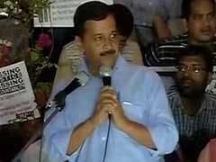 Arvind Kejriwal, Shashi Tharoor At JNU Over Missing Student