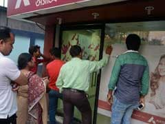 No Respite From Queues, Chaos; ATMs Grapple With Cash Shortage