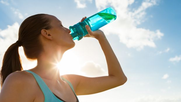 Sports Drinks Versus Water: Which One Should You Pick While You Exercise?