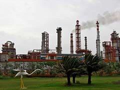 Rosneft Struggles  To Close $12.9-Billion Essar Oil Deal: Report