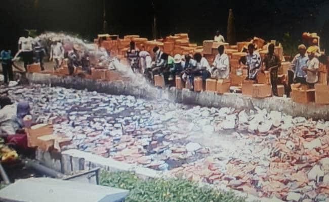 दीपावली से पहले कस्टम विभाग ने करीब 38 करोड़ के चीनी पटाखे नष्ट किए