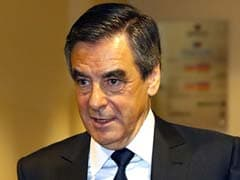 French Presidential Candidate Francois Fillon Apologises For Expenses Scandal