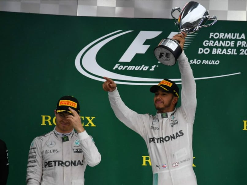 Rain delays Brazilian Grand Prix start
