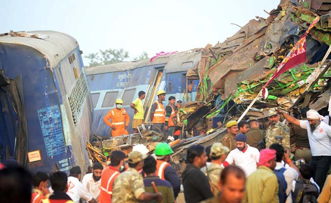 Kanpur Accident: Patna-Indore Express derails near Kanpur, 120 dead, 150 injured