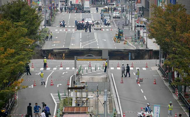 Japan sinkhole: Engineering marvel as giant hole fixed in just two days