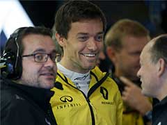 Jolyon Palmer Stays on at Renault For 2017