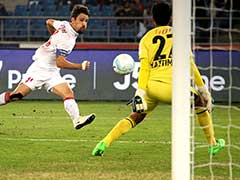 Indian Super League: Delhi Dynamos, Kerala Blasters Face Off in Semi-Final