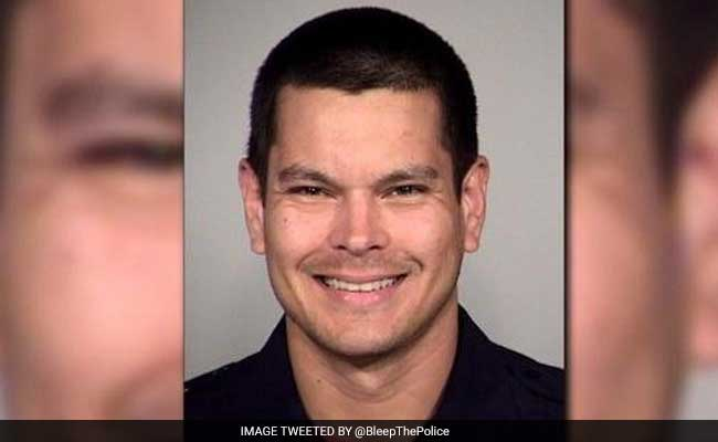 US Cop Fired For Allegedly Giving Poop-Filled Sandwich To Homeless Man