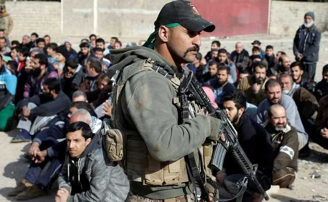 Iraqi forces assault 2 villages south of Mosul