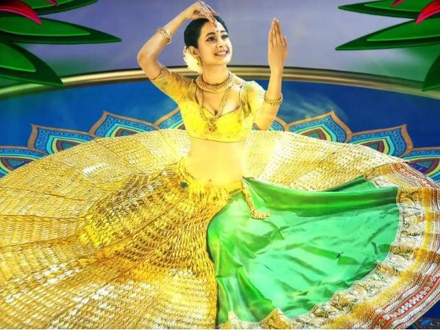 Pragya Jaiswal's 14-Kg Gold Om Namo Venkatesaya Lehenga: True or False?