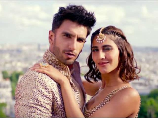 Ranveer Singh, Vaani Kapoor's Crazy Wedding Dance in New Befikre Song