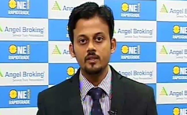 Buy Kotak Bank, Fortis Healthcare; Sell Divi's Labs: Sameet Chavan