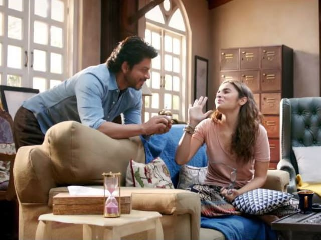 Dear Zindagi: Shah Rukh Khan, Alia Bhatt's New Song Rewinds to the Nineties