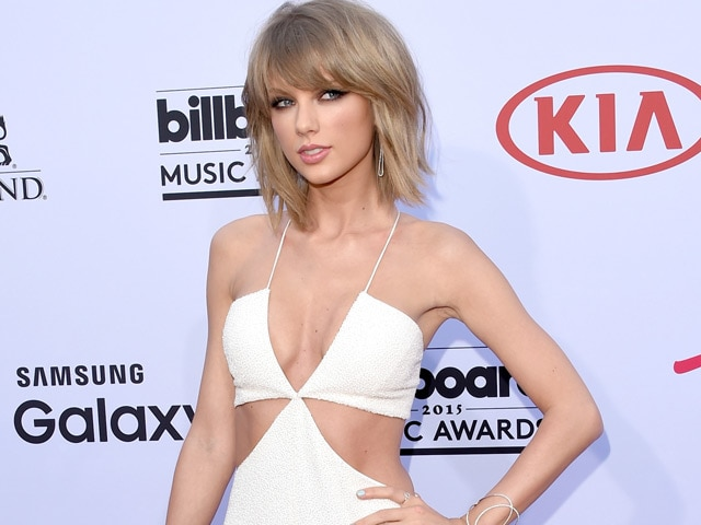 Texan accused of stalking Taylor Swift at Austin airport