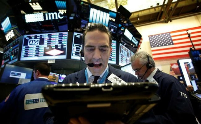 Wall Street Tumbles As Reform Hopes Fade With Trump Crisis