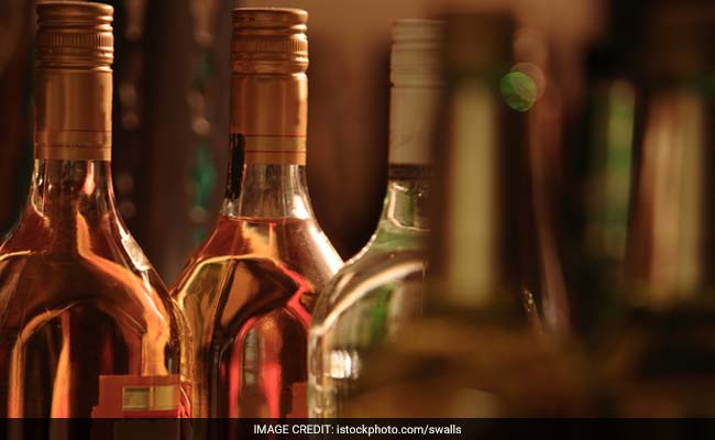 Duty-Free Liquor Sale Racket Busted, 2 Customs Officials Held