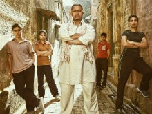 Aamir Khan's <I>Dangal</i>: 6 <I>Haanikaarak</i> Dialogues That Define The Film's Spirit