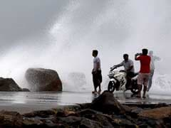 Cyclone Vardah Update: Navy On Alert, Schools Closed As Storm Nears Tamil Nadu, Andhra Pradesh