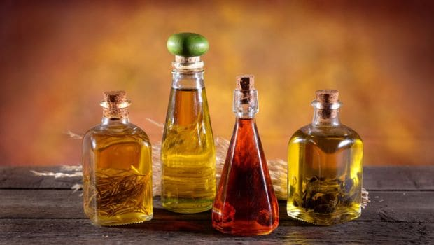 How to Make Flavoured Oil: Garlic, Chilli and More Infused Recipes