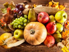Health Benefits of Red, Green and Gold Coloured Vegetables and Fruits