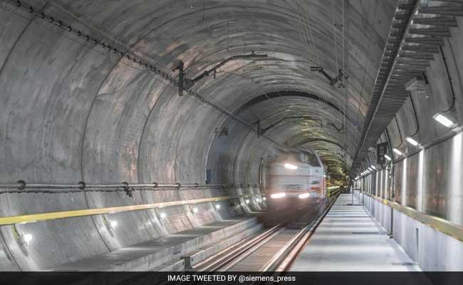 Swiss Build Worlds Longest Tunnel foto
