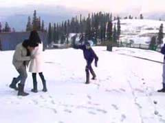 Tourists Flock Back As Kashmir Settles Down, Snow Descend on Gulmarg