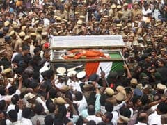 Jayalalithaa To Be Buried In Sandalwood Casket Next To Mentor MGR
