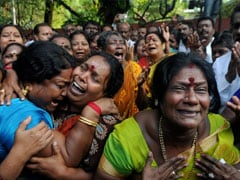Tamil Nadu Comes To A Halt As Lakhs Mourn Jayalaltihaa's Death