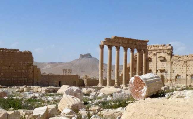 Russian Federation fires cruise missiles at ISIS near Palmyra