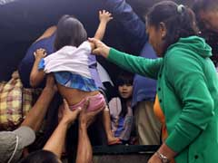 Tens Of Thousands Flee Christmas Day Typhoon In Philippines