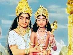 श्रीदेवी ने पुरानी साउथ इंडियन फिल्म का फोटो शेयर कर दी जे. जयललिता को श्रद्धांजलि