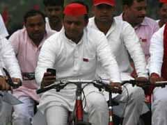 After Winning Cycle, Akhilesh Yadav Heads Next Door To See Father Mulayam