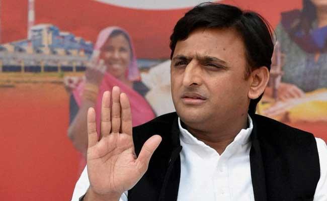 UP Elections 2017: With 'Gujarat's Donkeys', Akhilesh Yadav's Dig At PM Narendra Modi, Amitabh Bachchan