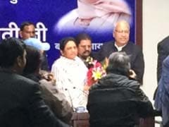 Ahead Of UP Polls, Mulayam Singh's Key Aide Ambika Chaudhary Crosses Over To Mayawati's Party