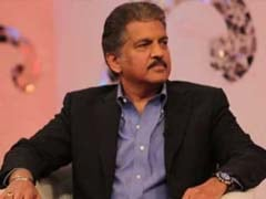 Slow Clap For Anand Mahindra's Reply To Tweet Suggesting He Buy This Car