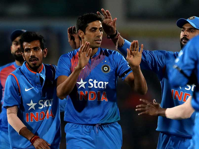 India vs England:Ashish Nehra removed openers to give India the perfect start.
