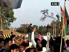 Union Minister Babul Supriyo's Convoy Attacked In Bengal