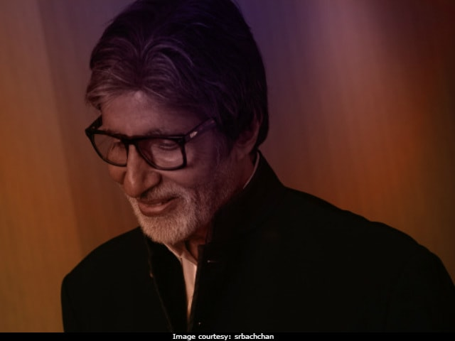 Happy Republic Day: Feel Empowered, Tweet Amitabh Bachchan And Other Celebs