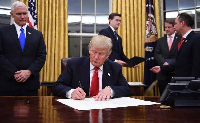 Trump to Sign Executive Orders, Meet With Ryan