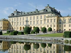 Friendly Ghosts Haunt Swedish Royal Palace, Queen Says