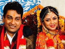 Kavita Kaushik And Ronnit Biswas Are Just Married. See Wedding Pics