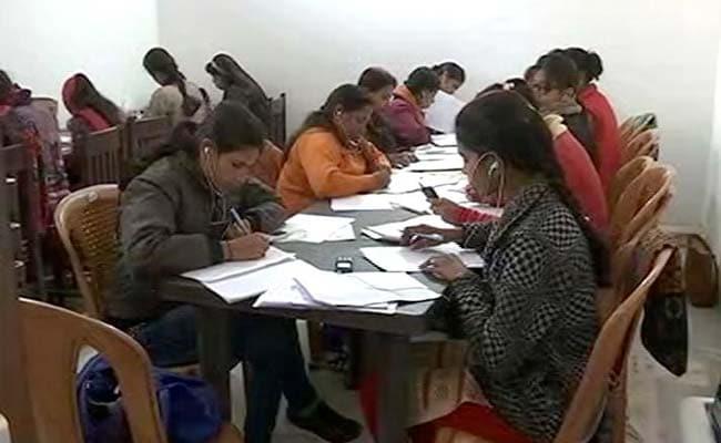 Laptops, Kanya Vidya Dhan, helplines etc in SP manifesto
