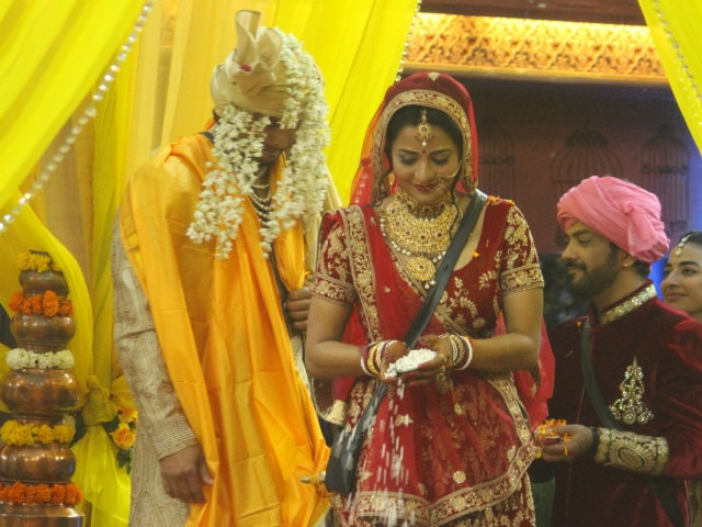 Bigg Boss 10: Inside Monalisa's Bigg Wedding To Vikrant. See Pics