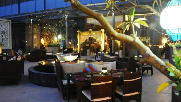 10 best romantic restaurants for candle light dinner in for Terrace restaurants in bangalore