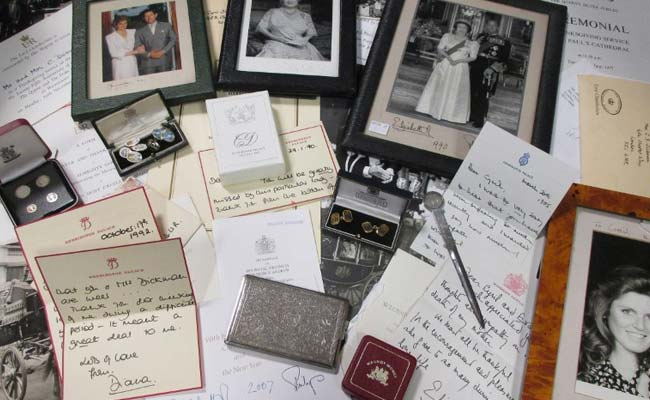 Up for auction, Princess Diana letters offer intimate look