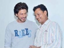 Shah Rukh Khan Meets Cobbler Who Loved Raees Dialogue